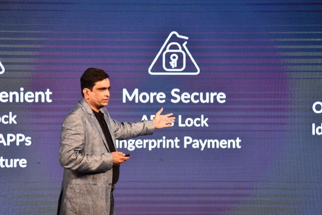 酷派印度CEO Syed介绍新品